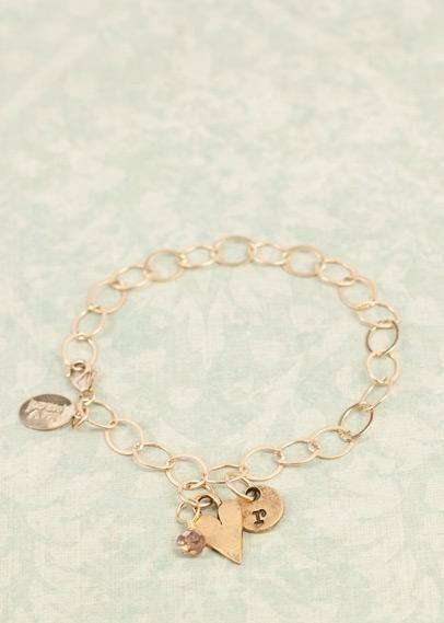 gold_heart_bracelet_01