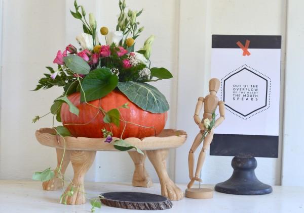 diy pumpkin centerpiece with flowers