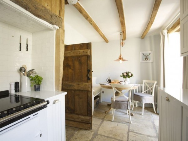 Honey-Pot-Cottage-in-the-Cotswolds-Unique-Home-Stays-10